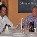 El Rey Juan Carlos y Rafa Nadal cenan juntos en Mallorca