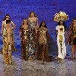 Desfile de lo mejor de la moda británica durante la gala de clausura de los Juegos Olímpicos