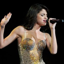 Selena Gomez se tatuó el nombre de Justin en su muñeca