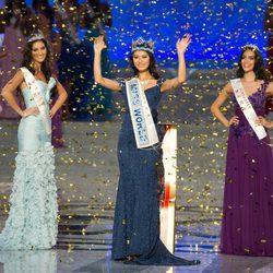 Wen Xiaoyu con Sophie Moulds y Jessica Kahawaty, en el certamen Miss Mundo 2012