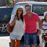 David Bustamante y Paula Echevarría, muy contentos a su llegada a Ibiza