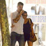 Romántico paseo de Scarlett Johansson y Nate Naylor