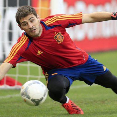 Iker Casillas entrenando con La Roja