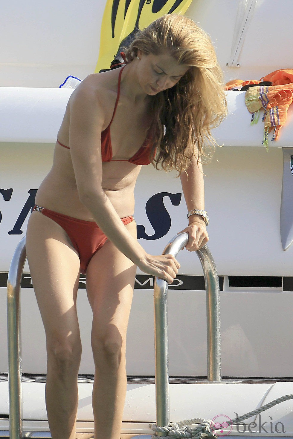 Sofía Mazagatos se dispone a darse un baño en Ibiza