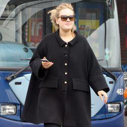 Adele paseando por Londres antes de anunciar su embarazo