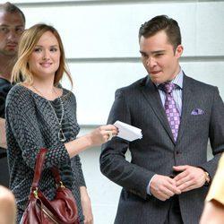 Ed Westwick y Kaylee DeFer rodando la sexta temporada de 'Gossip Girl'