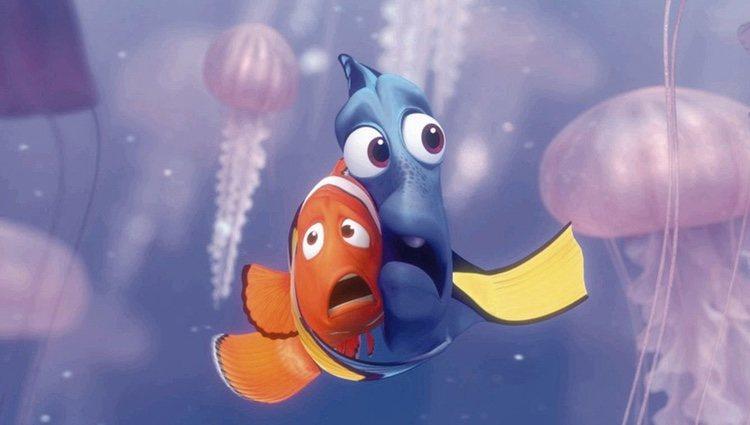 Dory y Nemo en la película 'Buscando a Nemo'