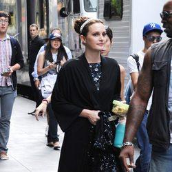 Leighton Meester acude a su camerino durante el rodaje de la sexta temporada de 'Gossip Girl'