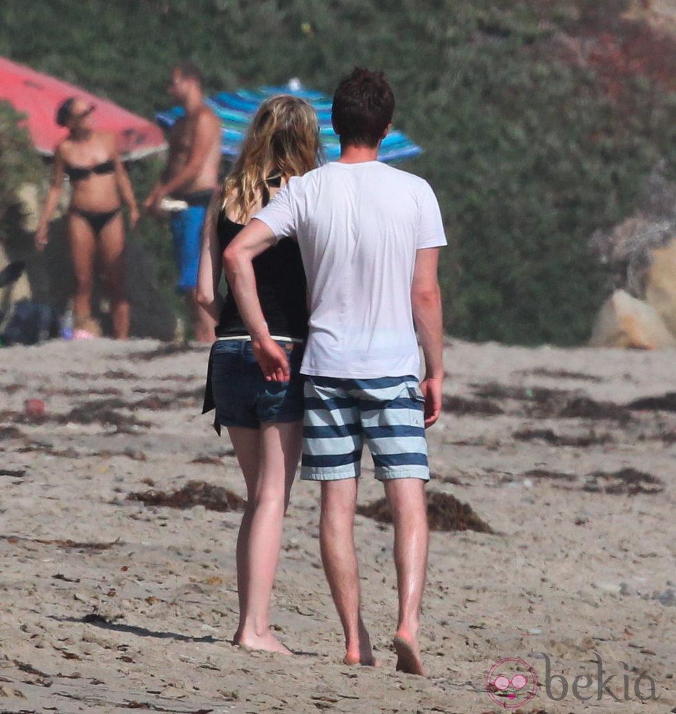 Emma Stone y Andrew Garfield en Malibu