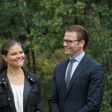Los enamorados Victoria y Daniel de Suecia en la inauguración del 'sendero del amor'