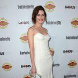 Lizzy Caplan en el estreno de 'Bachelorette' en Los Angeles