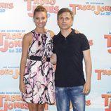 Michelle Jenner y José Mota en la presentación de 'Las aventuras de Tadeo Jones'