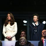 Los Duques de Cambridge, la Princesa Ana y Boris Johnson en la apertura de los Paralímpicos de Londres 2012
