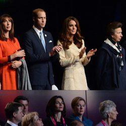 David y Samantha Cameron, los Duques de Cambridge, la Princesa Ana y Boris Johnson en la apertura de los Paralímpicos de Londres 2012