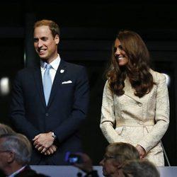 Los Duques de Cambridge muy sonrientes en la apertura de los Juegos Paralímpicos de Londres 2012