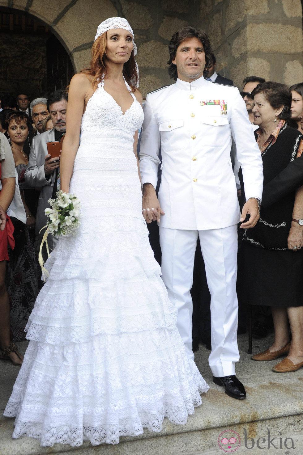 Os gustaría haber sido más altos ?  - Página 4 27288_tono-sanchis-lorena-romero-boda
