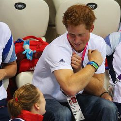 El Príncipe Harry presume de músculo en los Juegos Paralímpicos de Londres 2012