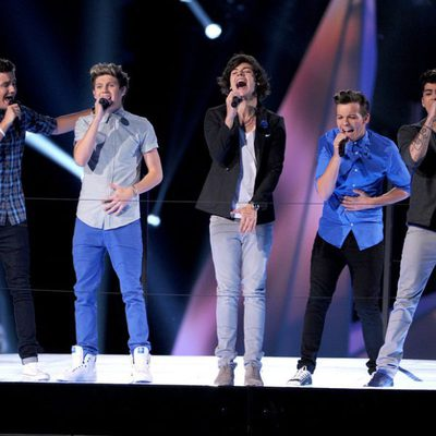One Direction actuando en la gala de los MTV Video Music Awards 2012