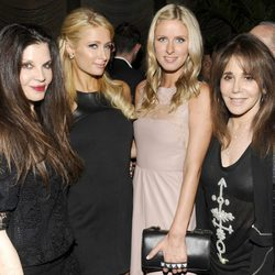 Loree Rodkin, Paris Hilton, Nicky Hilton y Jane Rose en la fiesta de Brian Atwood