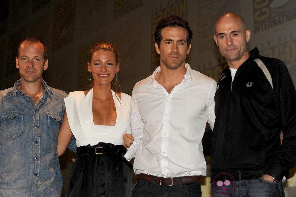 Peter Sarsgaard, Blake Lively, Ryan Reynolds y Mark Strong promocionando 'Linterna Verde'