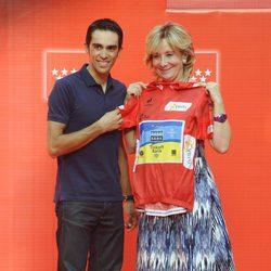Esperanza Aguirre recibe a Alberto Contador tras su victoria en La Vuelta a España 2012