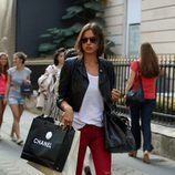 Irina Shayk, tarde de compras por París