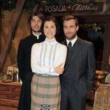 Jordi Coll, Loreto Mauleón y Carlos Serrano en los 400 capítulos de 'El Secreto de Puente Viejo'