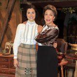 Loreto Mauleón y María Bouzas en los 400 capítulos de 'El Secreto de Puente Viejo'