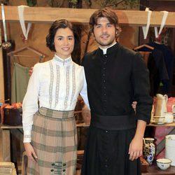 Jordi Coll y Loreto Mauleón en los 400 capítulos de 'El Secreto de Puente Viejo'