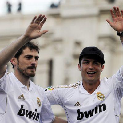 Iker Casillas y Cristiano Ronaldo celebrando el título de Liga 2012