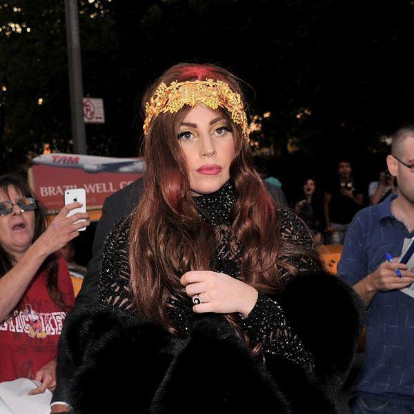 Lady Gaga presenta su fragancia 'Fame' rodeada de famosos