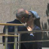 Telma Ortiz y Jaime del Burgo besándose en Nueva York