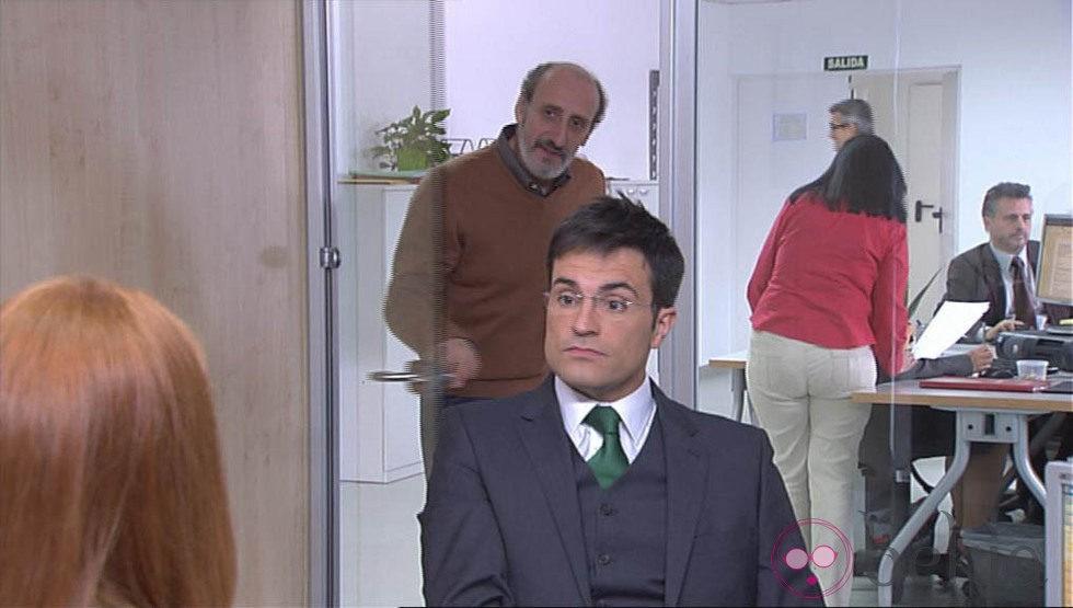 Cameo de Luis Larrodera en la serie 'La que se avecina'
