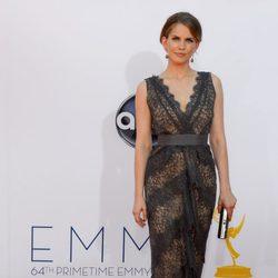 Anna Chlumsky en la alfombra roja de los Emmy 2012