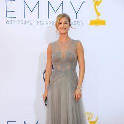 Emily VanCamp en los Emmy 2012