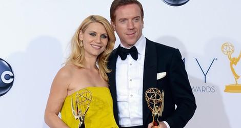 Claire Danes y Damian Lewis, actores de 'Homeland' con sus Premios Emmy 2012
