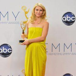 Claire Danes posa con su Emmy 2012 por 'Homeland'
