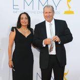 Ed O'Neill y Catherine Rusoff en los Emmy 2012