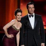 Tina Fey y Jon Hamm en la gala de los Emmy 2012