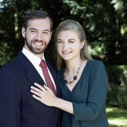 Guillermo de Luxemburgo y Stéphanie de Lannoy en una foto oficial