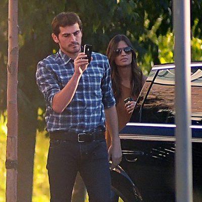 Iker Casillas y Sara Carbonero, inseparables... del iPhone