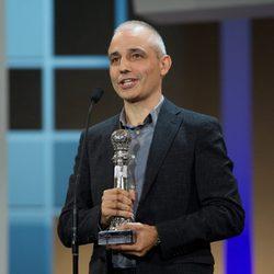 Pablo Beger con su premio en la clausura del Festival de San Sebastián 2012