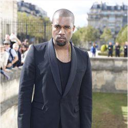 Kanye West en el desfile de Dior de la Semana de la Moda de París