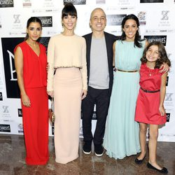 Inma Cuesta, Maribel Verdú, Pablo Berger, Macarena García y Sofía Oria en el estreno de 'Blancanieves' en Madrid