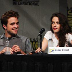 Robert Pattinson y Kristen Stewart promocionan 'Amanecer. Parte 2'
