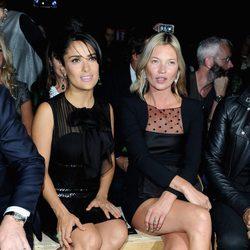 Kate Moss y Salma Hayek en la Semana de la Moda de París primavera/verano 2013