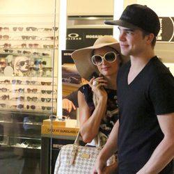 Paris Hilton acaramelada con su novio ibicenco RIver Viiperi