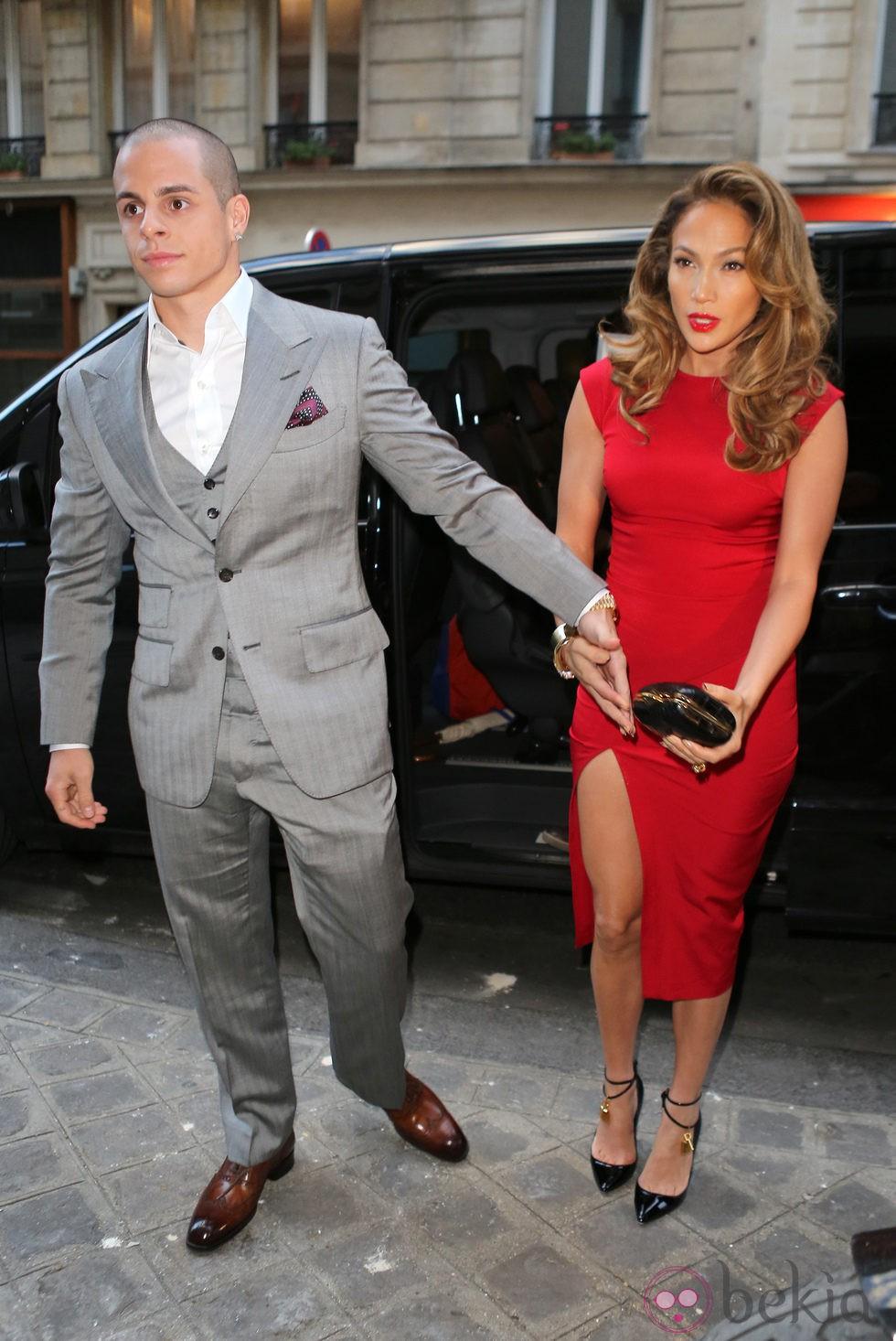 Jennifer Lopez y Casper Smart en una cena de apoyo a la campaña de Barack Obama en París