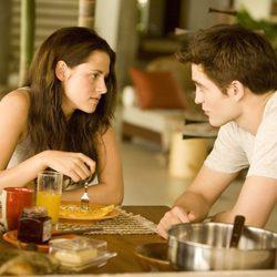 Escena de 'Amanecer. Parte 1' con Robert Pattinson y Kristen Stewart