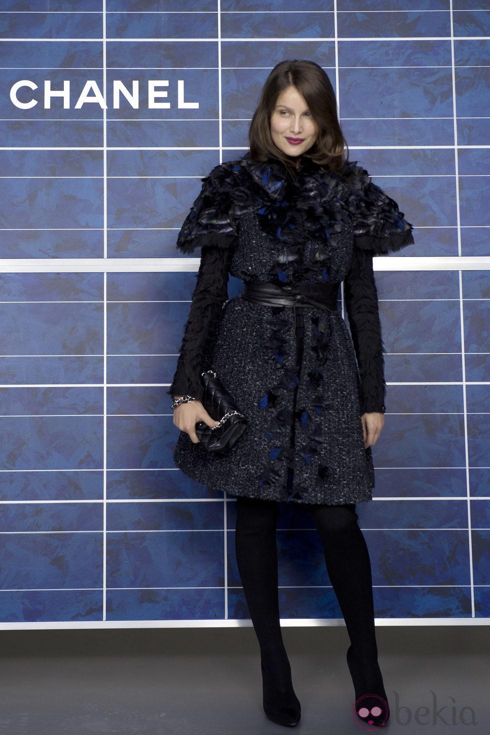 Laetitia Casta en el desfile de Chanel de la Semana de la Moda de París